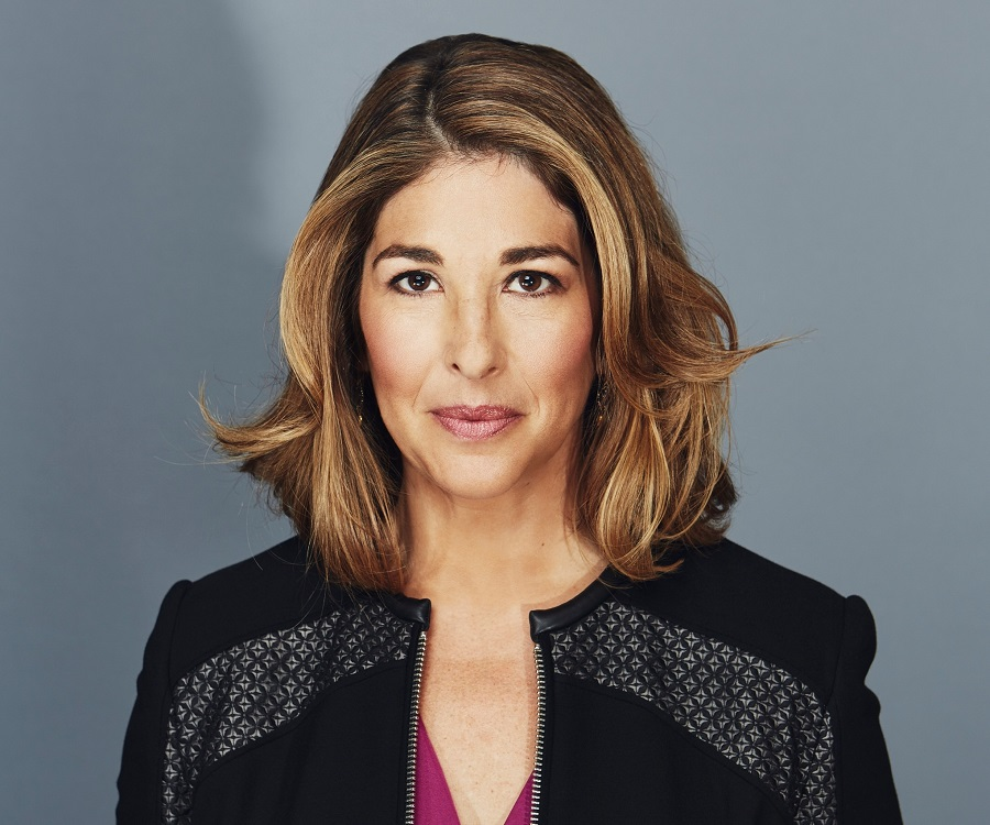 naomi klein no logo essay Naomi klein tracks the resistance and self-determination mounting in the face   the acclaimed international bestseller no logo, and the essay collection fences .