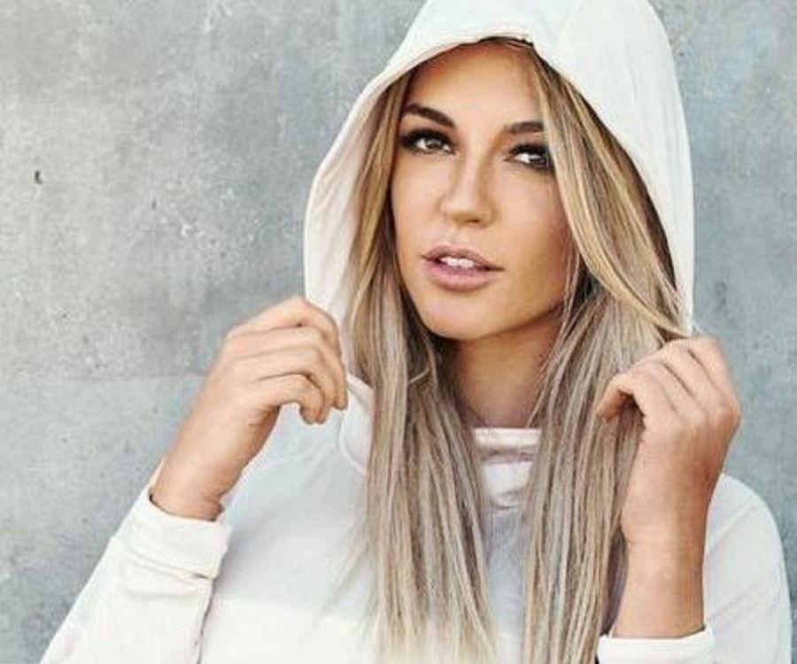 52d8314da4372 Nikki Blackketter - Bio, Facts, Family Life of Fitness Model & Trainer