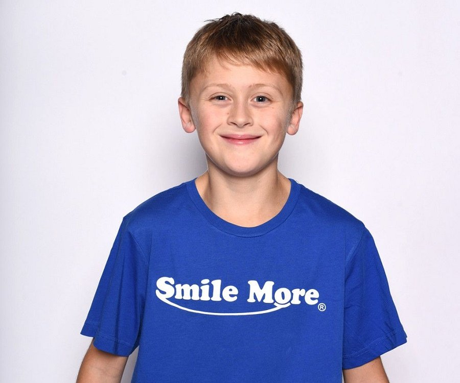 Noah atwood bio facts family life of son of youtube for The atwood