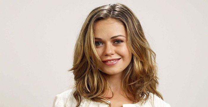 Alexis Dziena Biography - Facts, Childhood, Family Life Of -8128