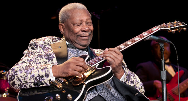 b b king biography childhood life achievements timeline. Black Bedroom Furniture Sets. Home Design Ideas