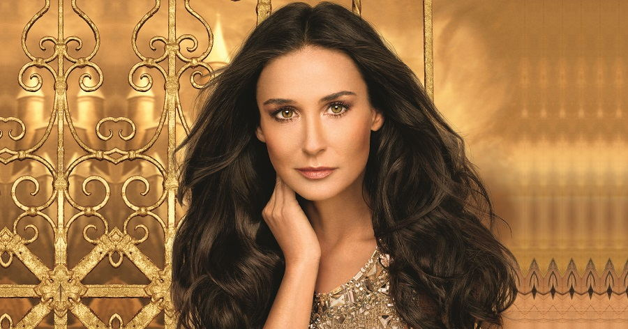 Demi Moore Biography - Childhood, Life Achievements & Timeline