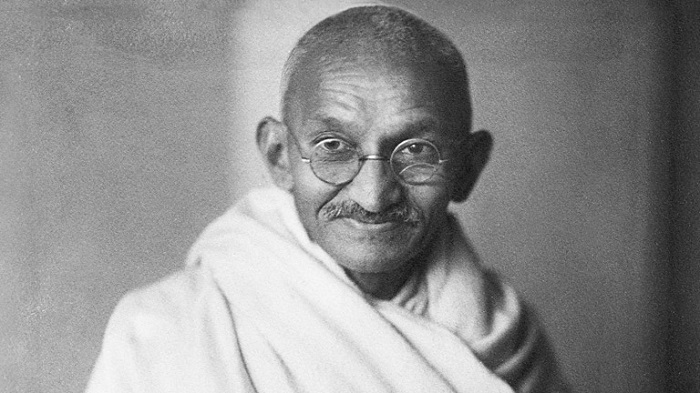 a biography of the life and achievements of mohandas gandhi Mohandas karamchand gandhi was an indian activist who was the leader of the indian independence movement against british rule employing nonviolent civil disobedience, gandhi led india to.