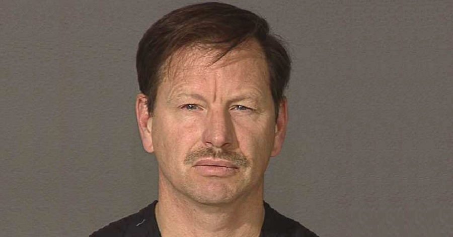 gary ridgway Gary leon ridgway, aka the green river killer or the green river strangler, is a necrophilic serial killer responsible for the murders of at least 50 women.