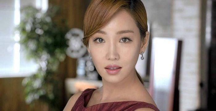 og lee yoo ri 34444 Lee Yoo-ri Biography & Net Worth