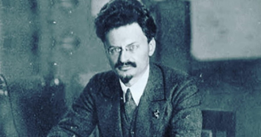 a biography of leon trotsky a marxist revolutionary Leon trotsky's history of the russian revolution remains a singular work of marxist historiography.