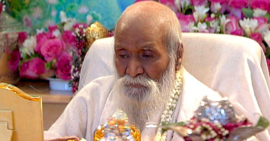 Maharishi Mahesh Yogi Biography - Maharishi Mahesh Yogi