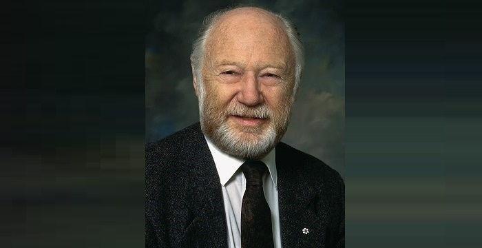 a description of smith michael in british born canadian biochemist and nobel prize winner