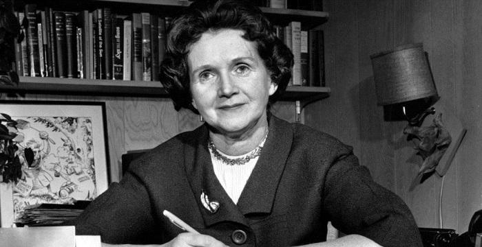 rachel carson bio Rachel carson (1907-1964) was a scientist, writer, naturalist and, many say, the mother of the environmental movement inspired by an outstanding biology teacher at pennsylvania college for women (later chatham college), rachel switched her major from english to biology.