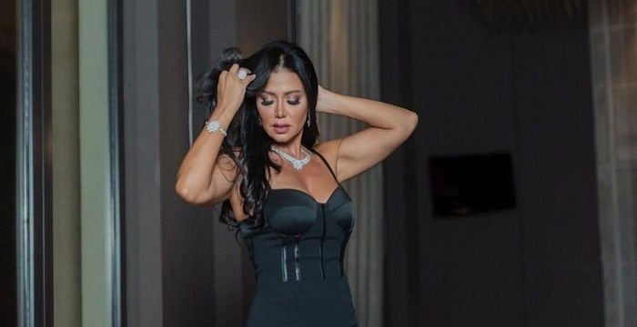 Again .. Rania Youssefs dresses raise controversy and she