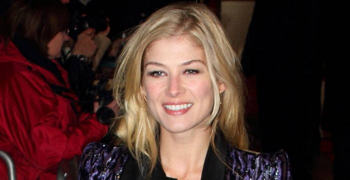 Rosamund Pike Biography - Facts, Childhood, Family Life ...