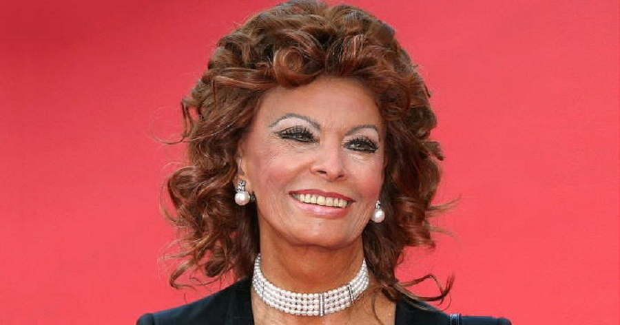 Sophia Loren Biography...