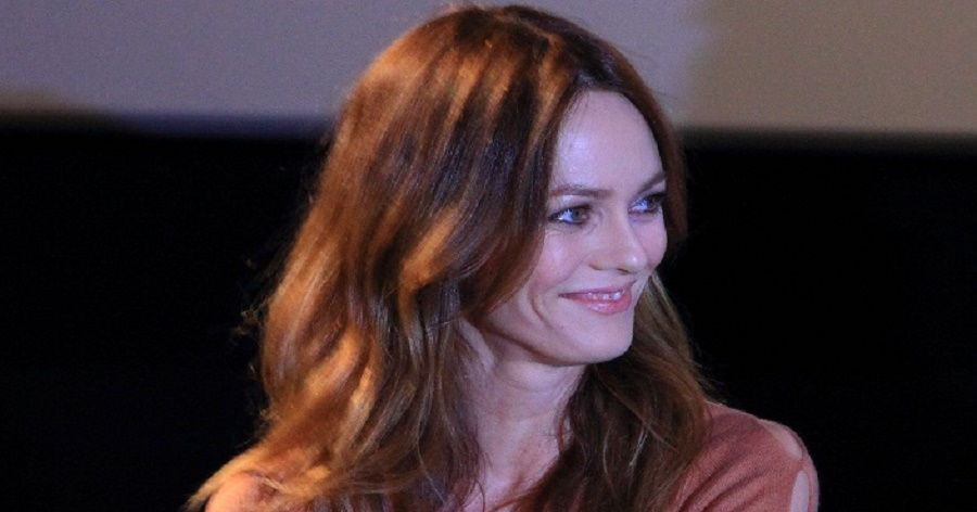 Vanessa Paradis Biography - Childhood, Life Achievements ...