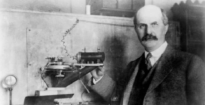 a biography of sir william lawrence bragg a physicist and nobel prize winner Australian-born physicist william lawrence bragg (1890-1971) shared the nobel  prize in 1915 with his father sir william henry bragg william lawrence bragg.