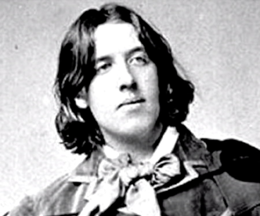 a biography and work of the irish writer oscar wilde A review of the pocket biography of oscar wilde, edited by tony potter what is tragic is that oscar wilde seemed not to believe in evil, or that it could ever lay a hand on him, at least at.