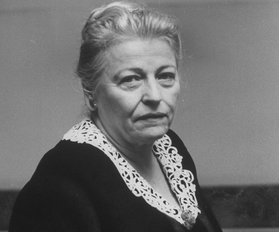 pearl buck essays The good earth summary pearl buck was one of the most widely read american novelists of the twentieth century when she published her most popular and critically acclaimed novel, the good earth, in 1931, she was living in china as the wife of a christian missionary.