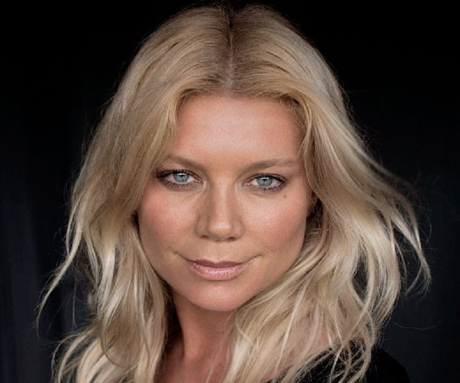 Peta Wilson vanishing point