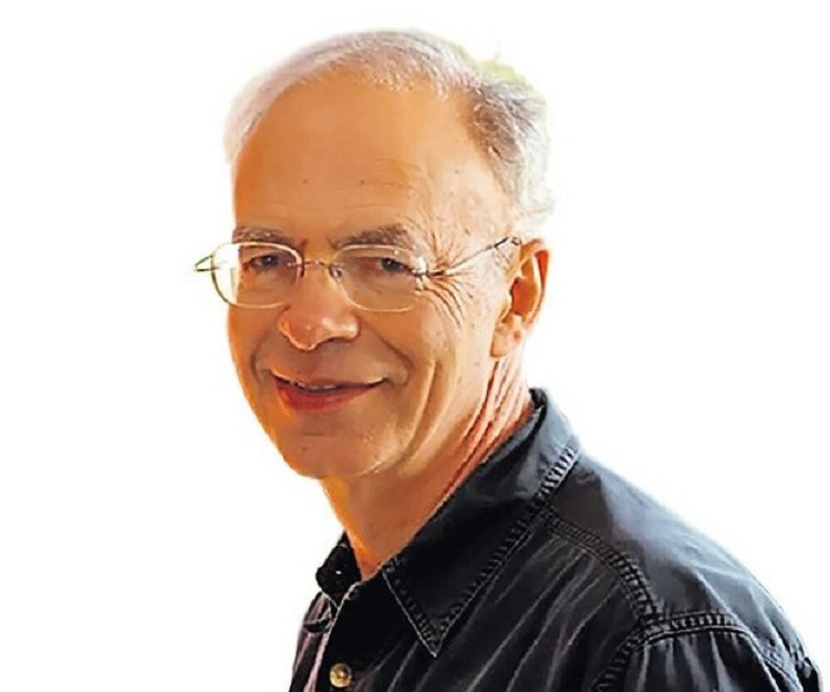 peter singer speciesism and the equality of animals essay Notions as equality and rights to nonhuman animals in accordance with this principle that speciesism is also to the animal liberation movement: peter singer.