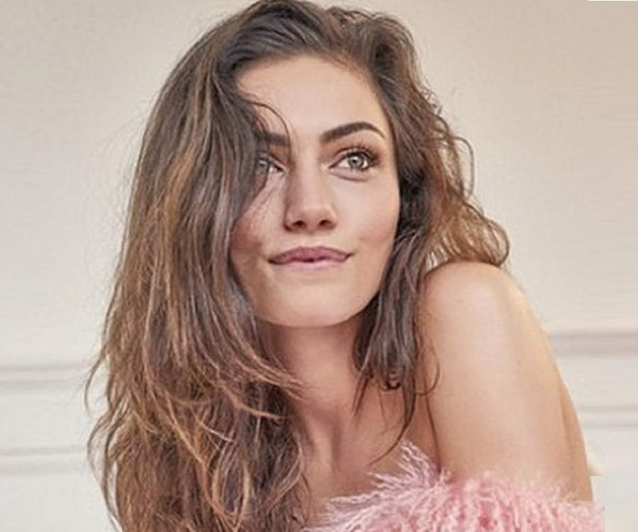 Are phoebe tonkin and paul wesley still dating my spouse 9