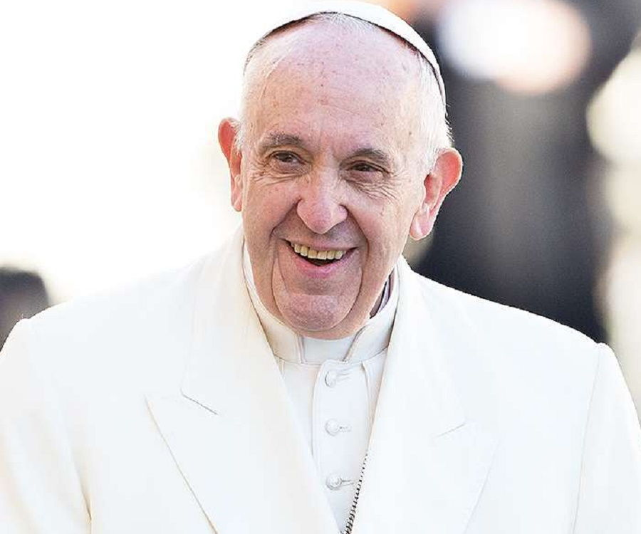 Pope Francis Biography - Childhood, Life Achievements & Timeline