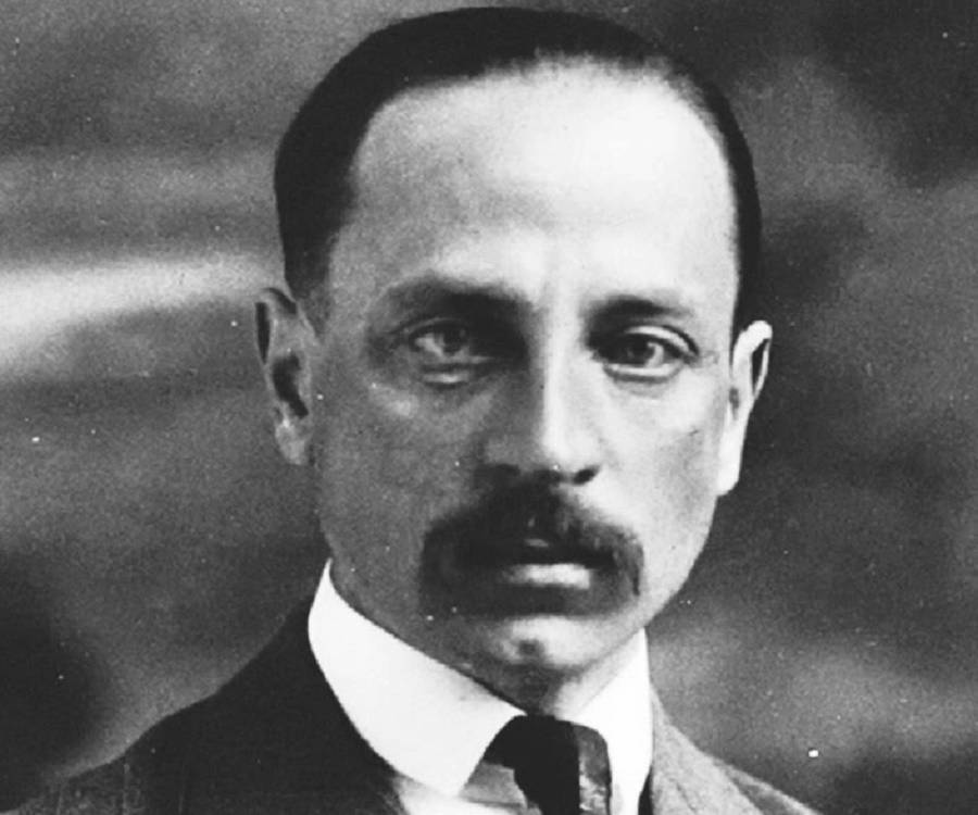rainer maria rilke Rilke on what it really means to love but no formulation eclipses the luminous poetic precision of rainer maria rilke in a passage from the classic letters to a.