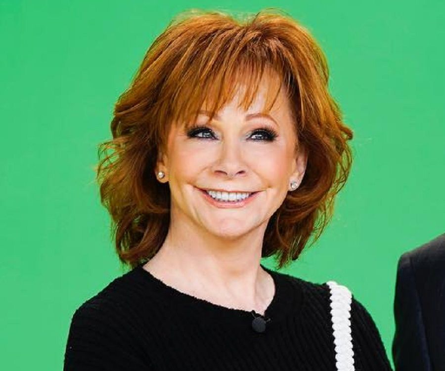 Reba Mcentire Biography Childhood Life Achievements
