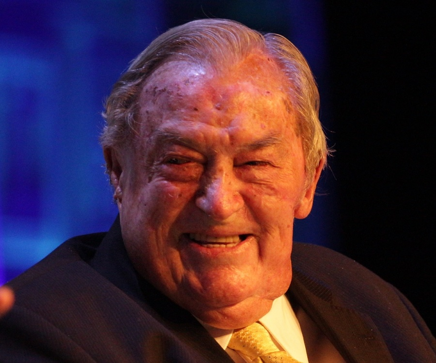 a biography of louis leakey a kenyan paleoanthropologist Richard leakey is a kenyan politician, paleoanthropologist and conservationist he is second of the three sons of the archaeologists louis leakey and mary leakey, and is the younger half-brother.