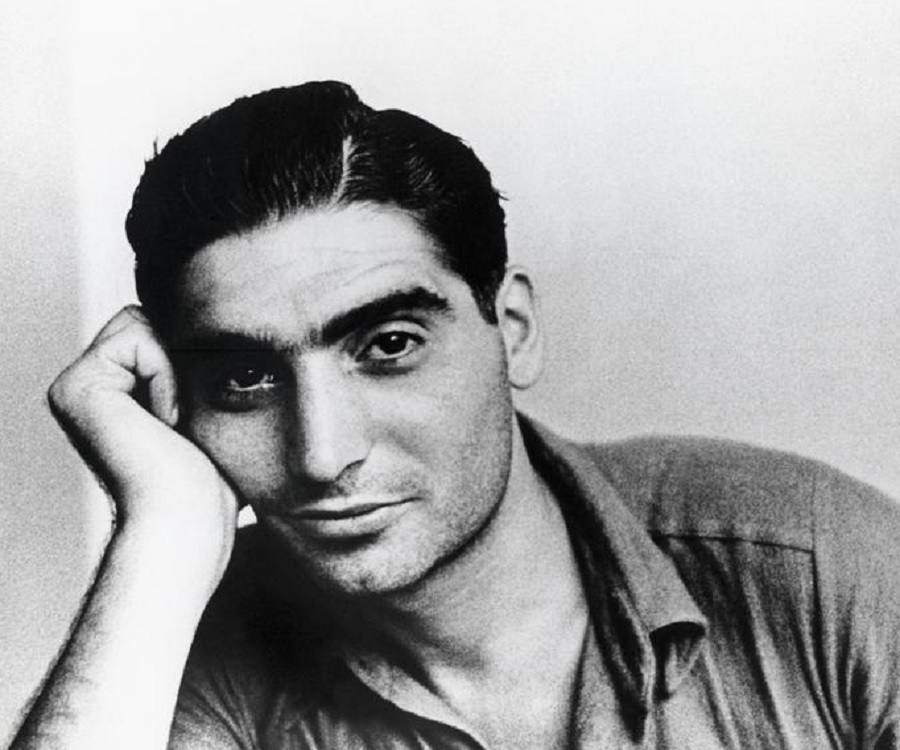 a biography of robert capa a photojournalist Robert capa and gerda taro: partners in love and photography  picture post anointed capa the greatest war photographer in the world at the green age of.