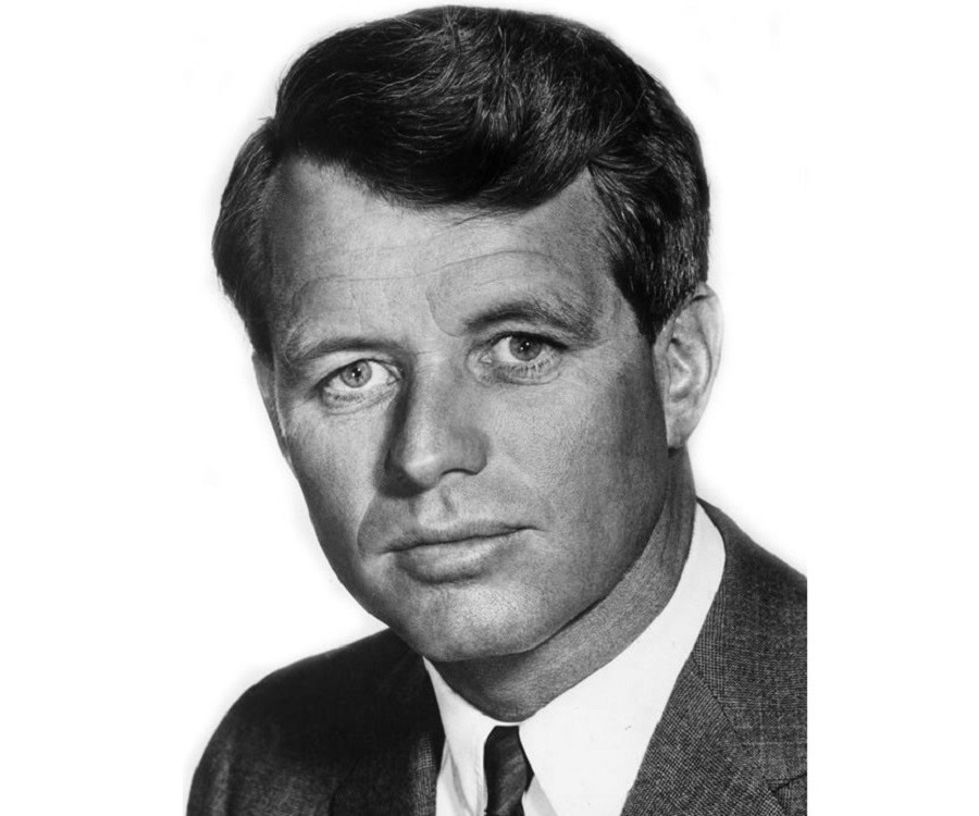 a biography of john f kennedy who was born on may in brookline massachusetts John fitzgerald kennedy was born on may 29, 1917, in brookline, massachusetts to a prominent irish catholic boston family from a young age he was set on a path.