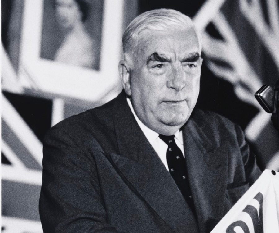 robert menzies View robert menzies' professional profile on linkedin linkedin is the world's largest business network, helping professionals like robert menzies discover inside connections to recommended job .