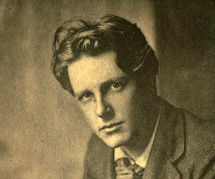 """Short Summary of """"1914 IV the Dead"""" by Rupert Brooke"""