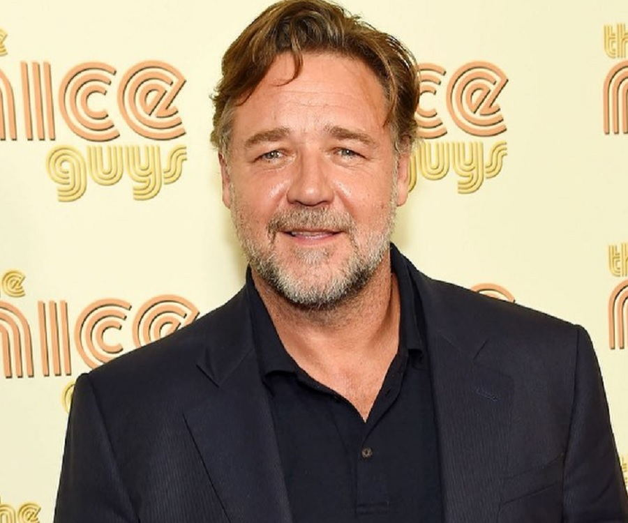 Russell Crowe Biograph...