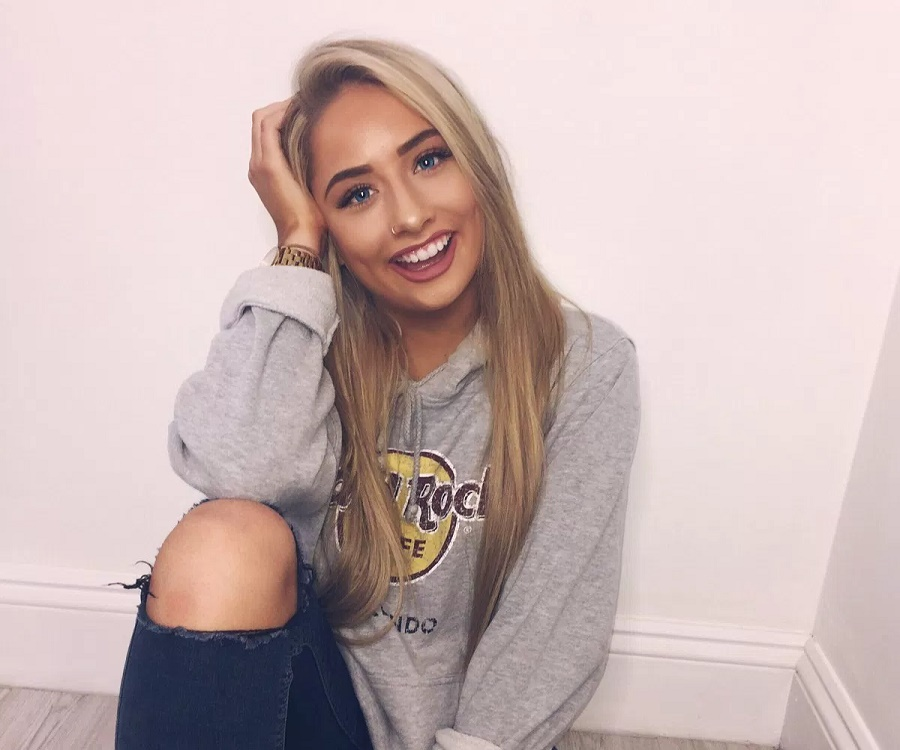 The Barker >> Saffron Barker - Bio, Facts, Family Life of YouTuber