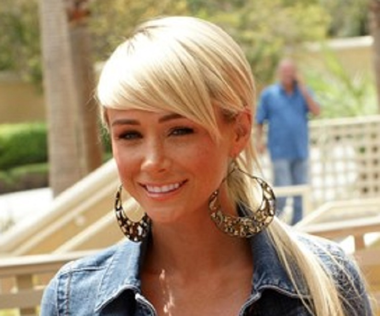 sara jean underwood biography facts childhood family life achievements of actress model. Black Bedroom Furniture Sets. Home Design Ideas
