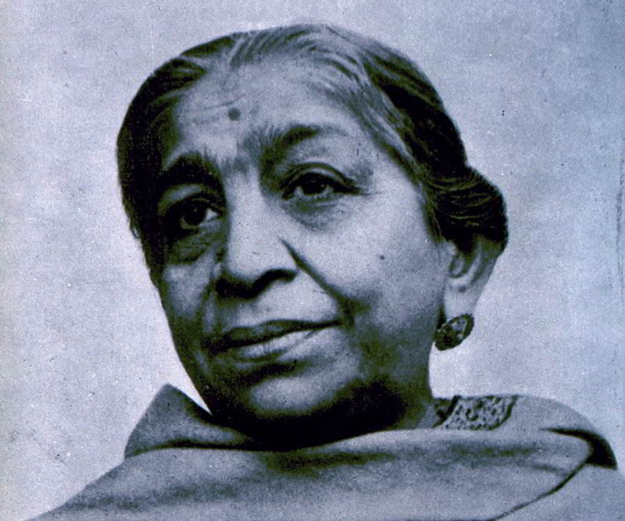 sarojini naidu biography in english