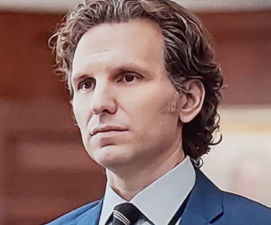 Sebastian Arcelus Biography