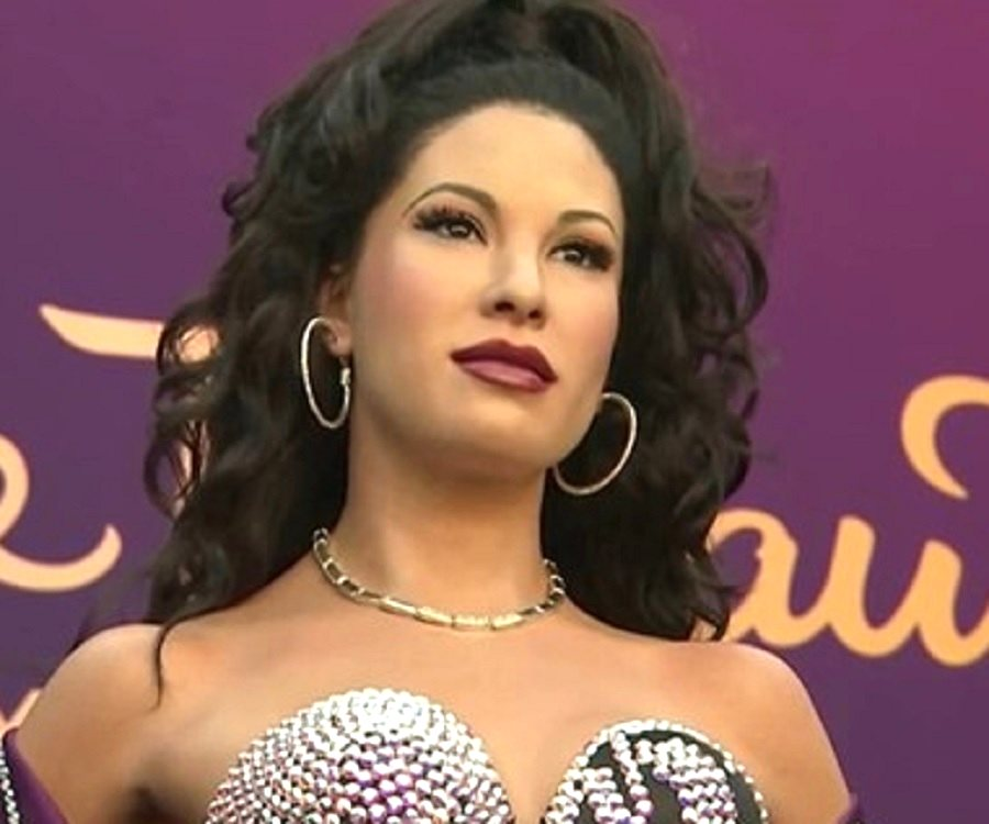 a biography of selena the american singer and songwriter Selena quintanilla-pérez (spanish: [seˈlena kintaˈniʝa ˈpeɾes] april 16, 1971 – march 31, 1995) was an american singer, songwriter, spokesperson, model, actress, and fashion designer called the queen of tejano music , her contributions to music and fashion made her one of the most celebrated mexican-american entertainers of the late 20th century.
