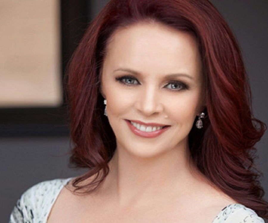 Sheena Easton Biography - Facts, Childhood, Family Life ...