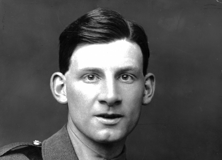 they by siegfried sassoon Base details by siegfried sassoon - base details by siegfried sassoon base details is a poem by siegfried sassoon and is about how better off the majors were in the first world war, compared to the good men that were dying on the front line.