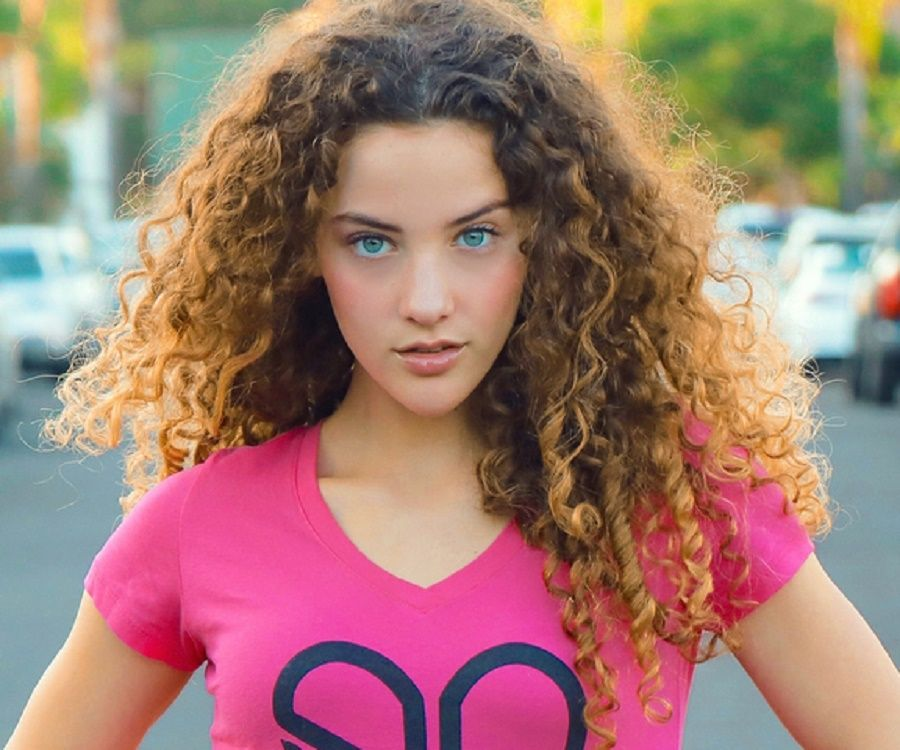 Sofie Dossi - Photoshoot September 2020 • CelebMafia