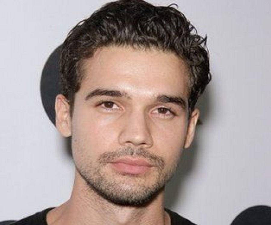Steven Strait Profile: Bio, Facts, Family Life Of Actor & Model
