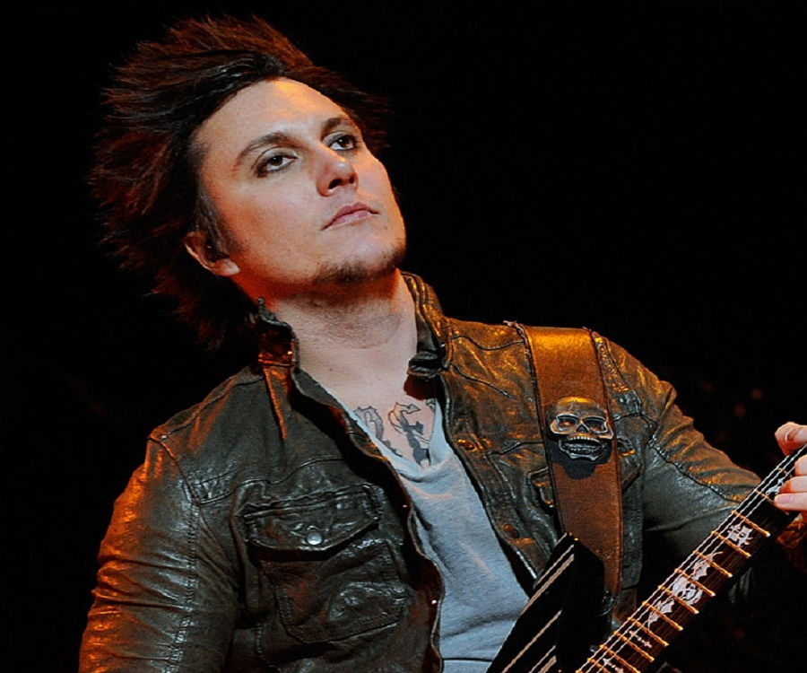 Synyster Gates Hairstyle 2016 Best Pictures Of Gate Imagesun