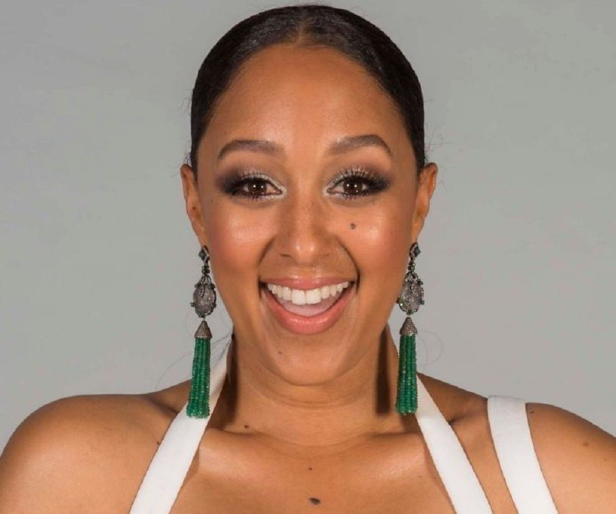 Tamera Mowry Biography - Facts, Childhood, Family Life ...
