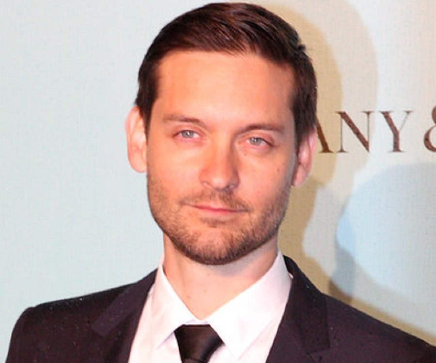 Tobey Maguire Biography - Childhood, Life Achievements & Timeline Tobey Maguire