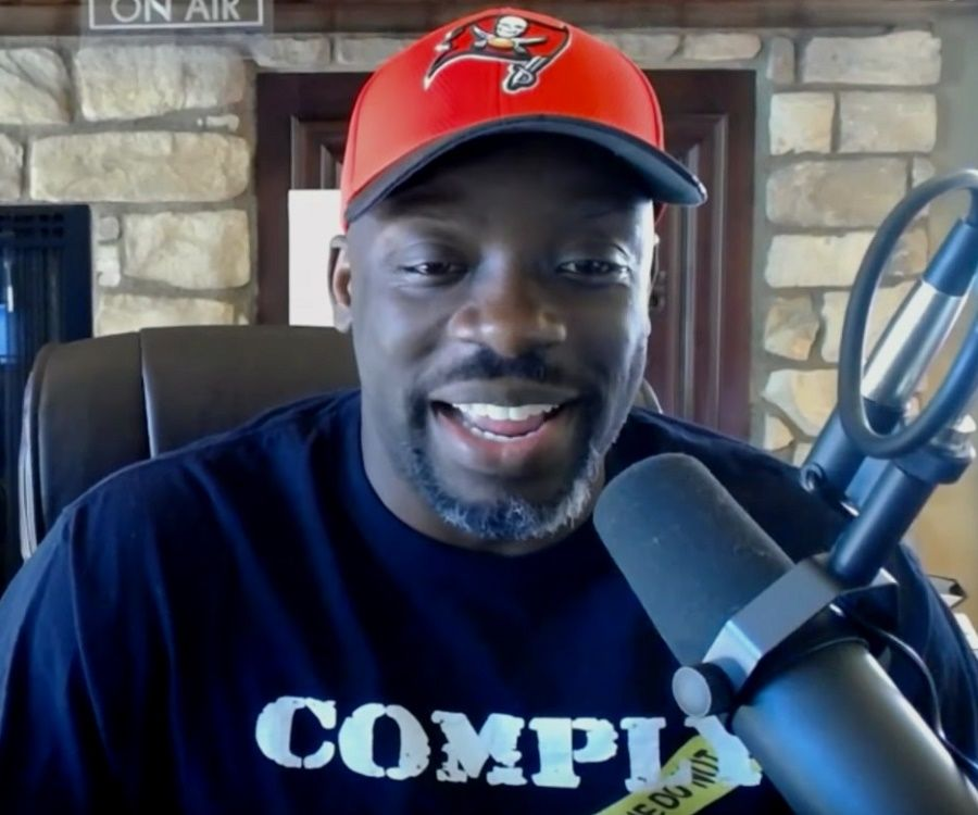 The 45-year old son of father (?) and mother(?) Tommy Sotomayor in 2021 photo. Tommy Sotomayor earned a  million dollar salary - leaving the net worth at  million in 2021