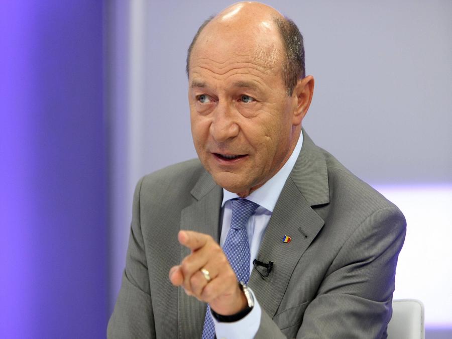 Traian Băsescu Biography - Childhood, Life Achievements ...  |Traian Basescu