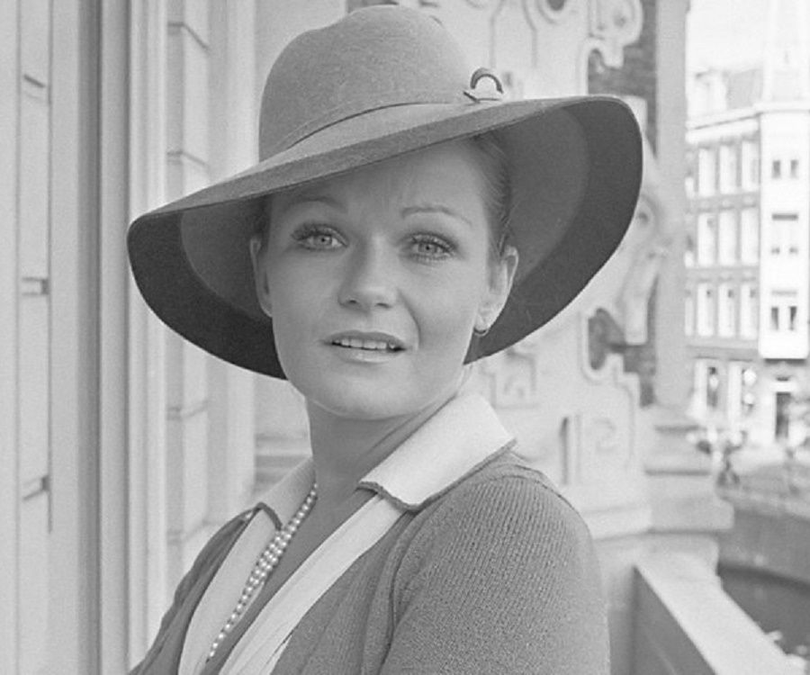 Valerie Perrine - Bio, Facts, Family Life of Actress