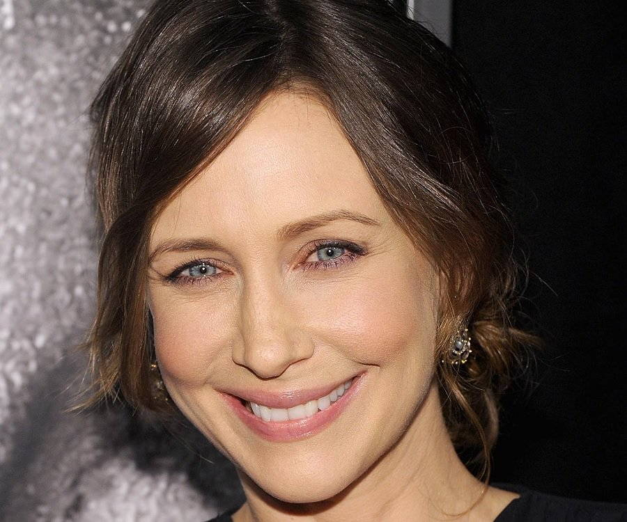 Vera Farmiga Biography - Childhood, Life Achievements & Timeline