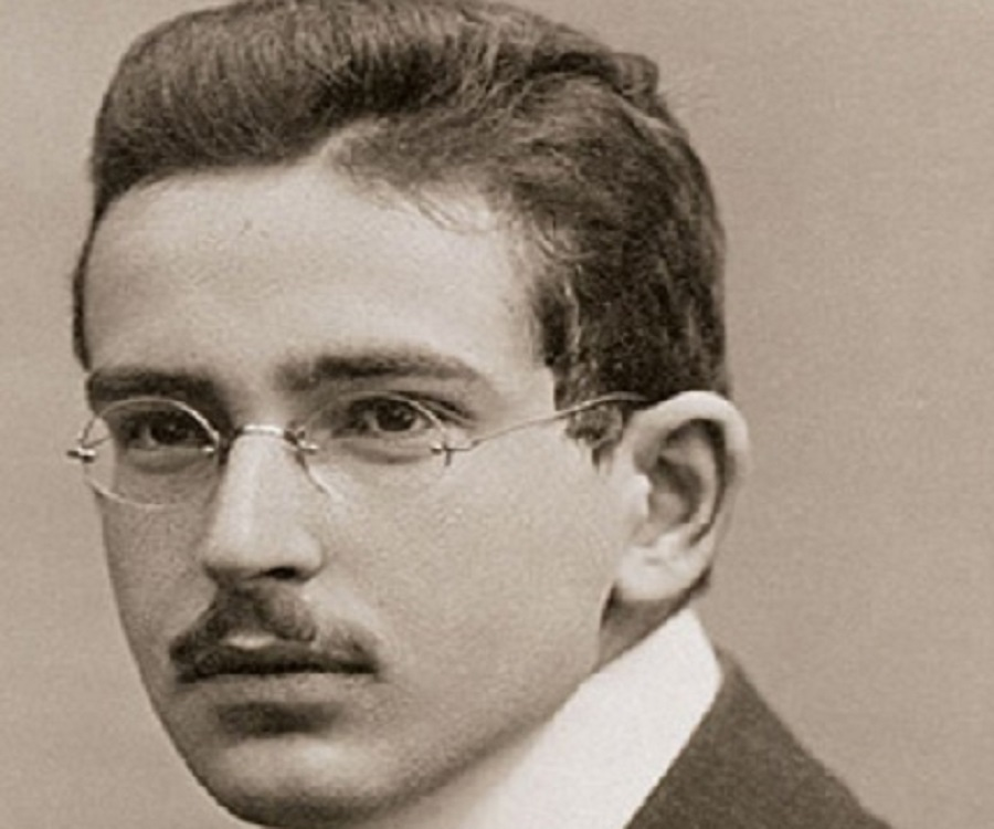 walter benjamin essay on surrealism Walter benjamin – surrealism: the last snapshot of the european intelligentsia ← walter benjamin on reading, telepathy, magic.