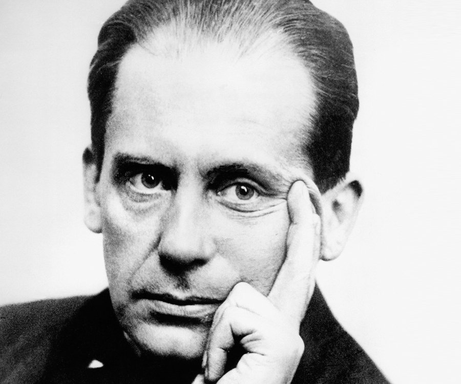 walter gropius biography childhood life achievements timeline. Black Bedroom Furniture Sets. Home Design Ideas